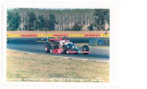 Fin de saison avec le team DAS Racing de Yves Déchaume avec qui il fera une superbe saison 1 990.