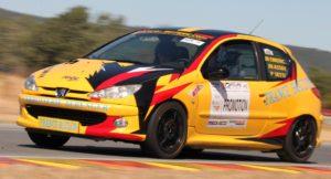 La Peugeot 206 S 16 de l'école de pilotage est aussi proposée sur des rallyes aux stagiaires de l'école.