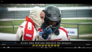 Explication lors de la course d'endurence sur le circuit Paul Ricard a un élève de l'école de pilotage? Les images sur cette vidéo montre bien la diificulté de maîtriser une voiture dans des conditions de courses.