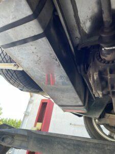 Le réservoir d'essence pour cette voiture idéale CIRCUIT est en inox puis très facile d'accès