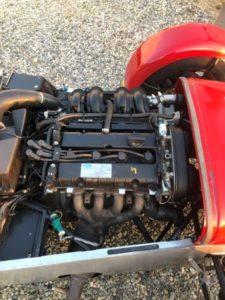 Moteur Ford 4 cylindres de 1 600 Cm3 avec tous les accessoires accessibles .