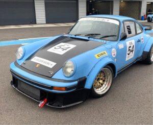 La Porsche engagée sur les 2 tours d'horloge.